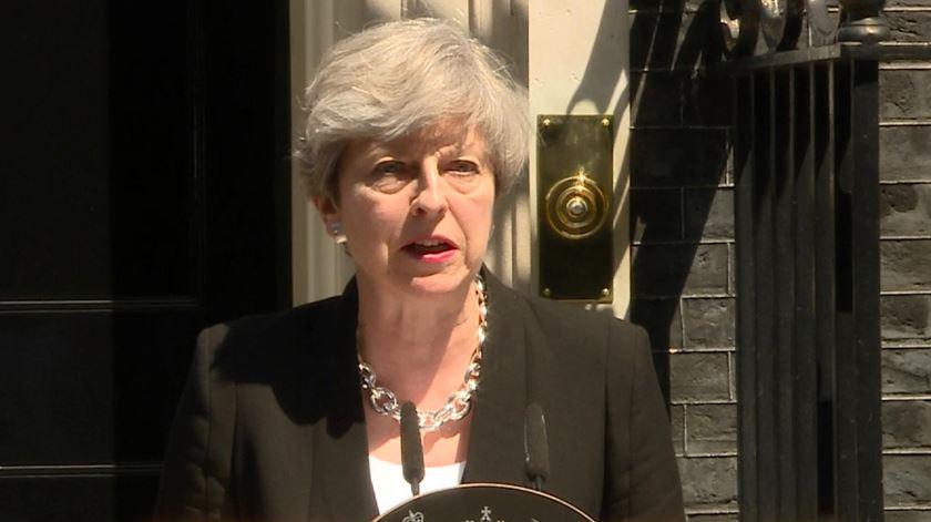 "Theresa May quer combater ""todo o tipo de extremismo"""