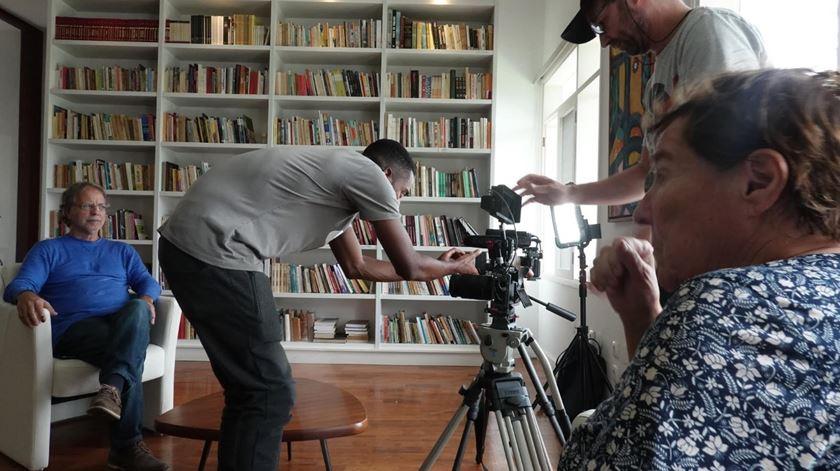 """Gravações do documentário """"Sou autor do meu nome Mia Couto"""""""