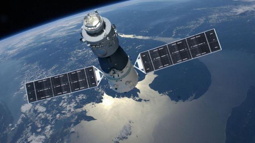 Probabilidade de lixo espacial em Portugal é de um para mais de 55 mil
