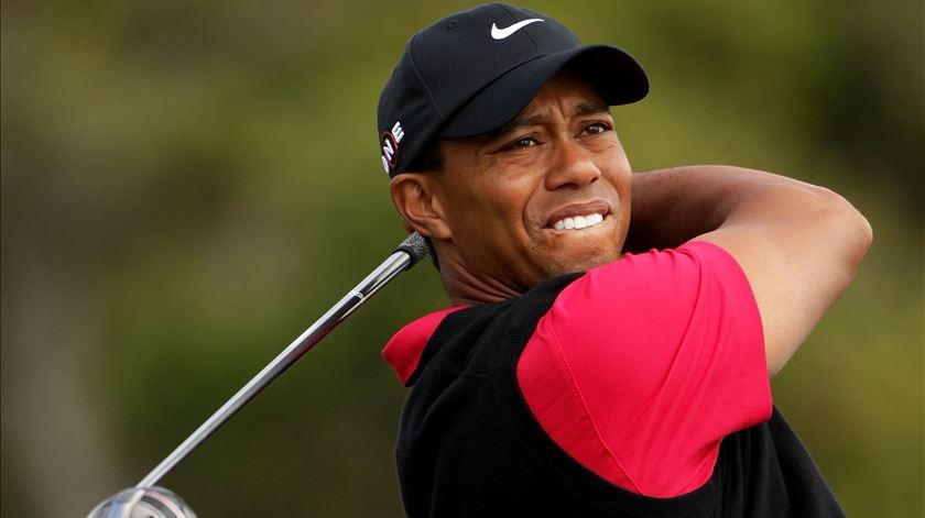 Tiger Woods vai de mal a pior. Foto: DR