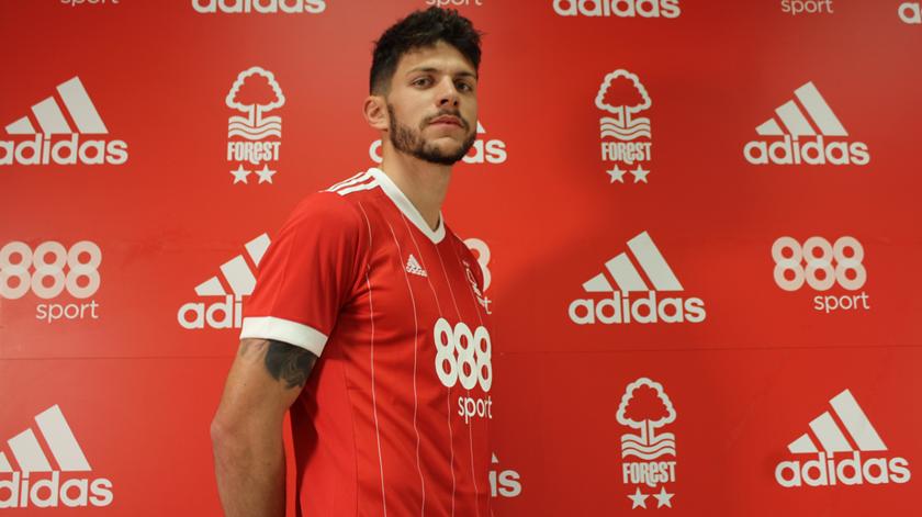 Adeus, Sporting. Tobias Figueiredo fica no Nottingham Forest em definitivo