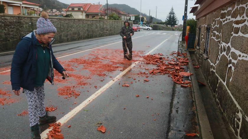 Vendaval levou telhados em Esposende: Foto: Diário do Minho