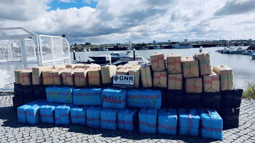GNR apreende quase quatro toneladas de haxixe no Algarve