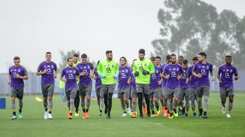 FC Porto continua privado de 11 internacionais