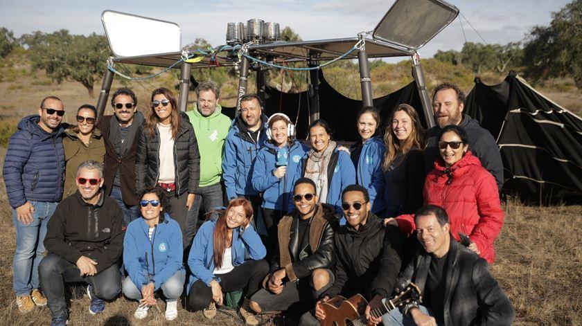 Os corajosos que fizeram parte da emissão em direto do balão de ar quente Foto: Ricardo Fortunato/RR