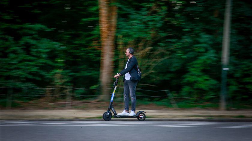 """Ministro do Ambiente define mobilidade elétrica como """"grande aposta"""" até 2030"""