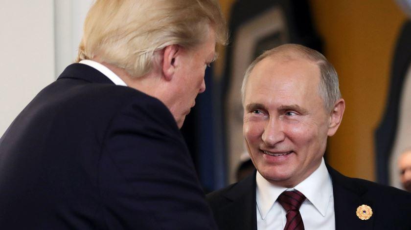 Putin e Trump em clima de cordialidade e de acordo para derrotar Estado Islâmico