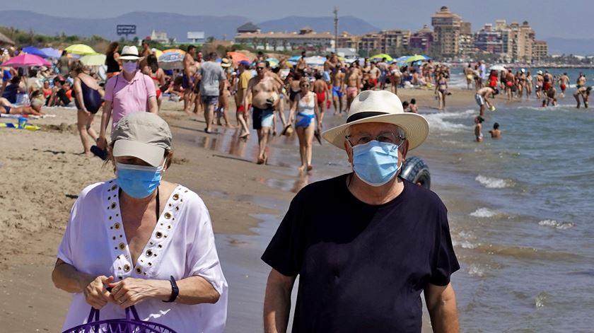 Espanha soma mais de 2.200 novos casos em 24 horas