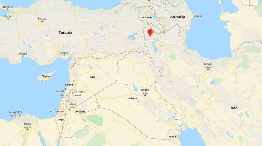 Sismo na Turquia faz pelo menos nove mortos
