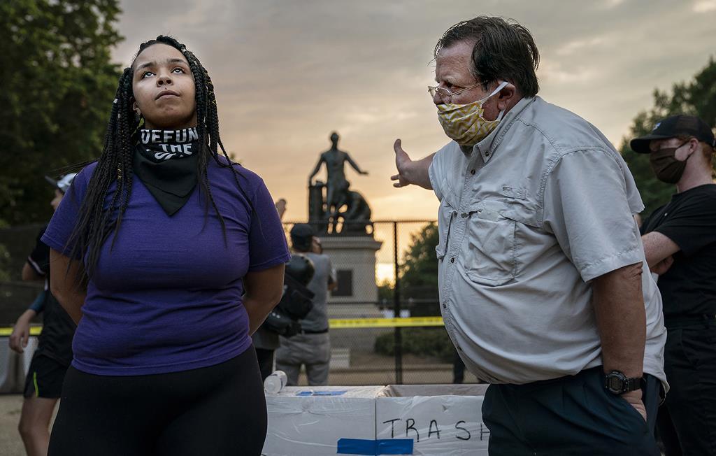 Debate sobre o Memorial da Emancipação. Foto: Evelyn Hockstein/Washington Post