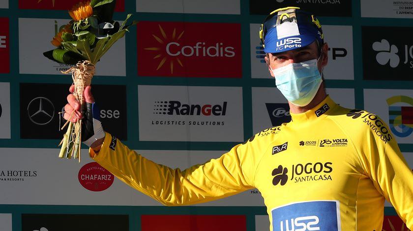 Volta a Portugal. Gustavo Veloso é o primeiro camisola amarela