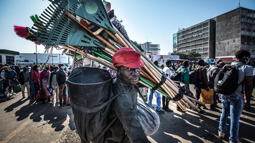 Moçambique anuncia nova morte e mais 168 infeções