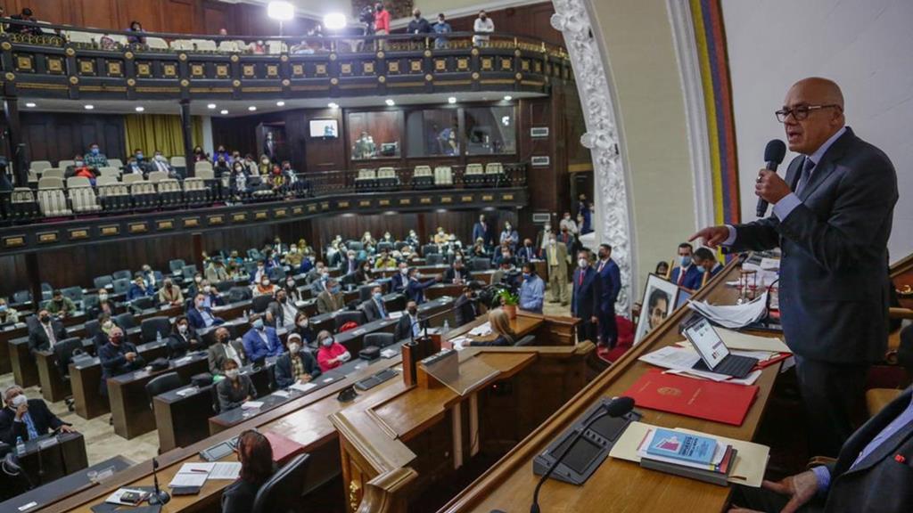 Jorge Rodriguez pede expulsão de embaixadora da UE, Isabel Pedrosa. Foto: Presidência da Assembleia Nacional da Venezuela/EPA