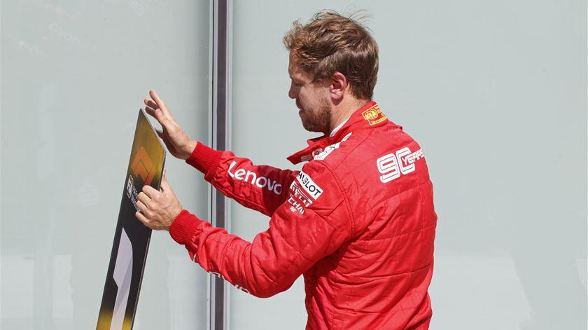 Veja como Vettel reagiu à penalização no GP do Canadá