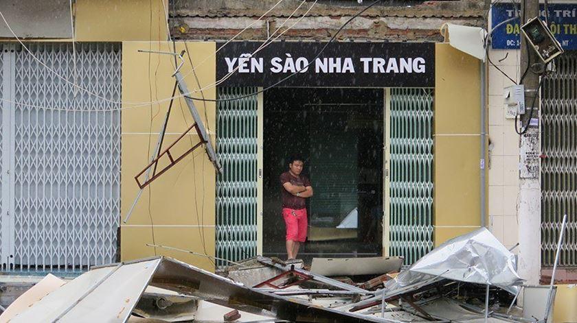 Vietname. Tufão faz dezenas de vítimas