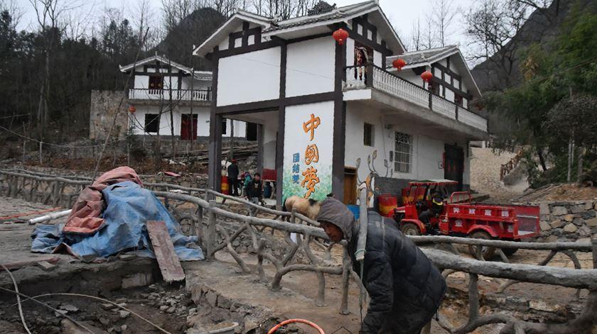 China. Estudante universitária em situação de pobreza extrema morre com 21 quilogramas