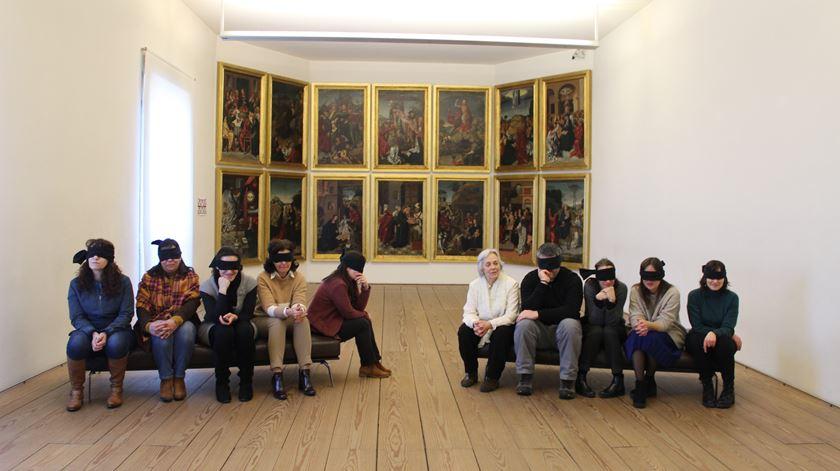 Visita às cegas ao Museu Grão Vasco em Viseu. Reportagem de Liliana Carona