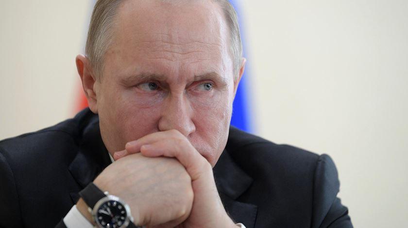 Putin responsabiliza Polónia pela II Guerra Mundial e abre conflito diplomático