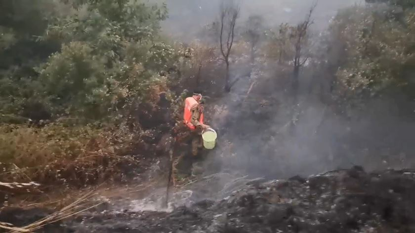 Oleiros. Munidos de baldes, voluntários ajudaram a combater maior incêndio do ano