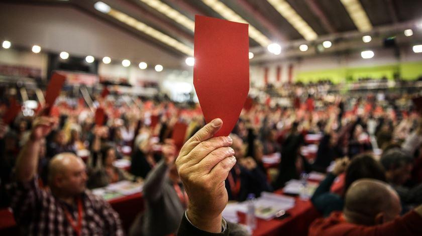 Socialistas propõem Fernando Gomes contra Isabel Camarinha para líder da CGTP