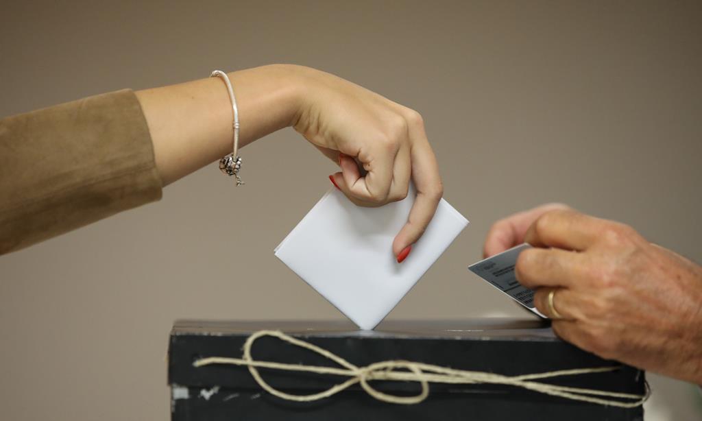 Presidenciais são no dia 24, mas há quem vote antes. Foto: André Kosters/Lusa