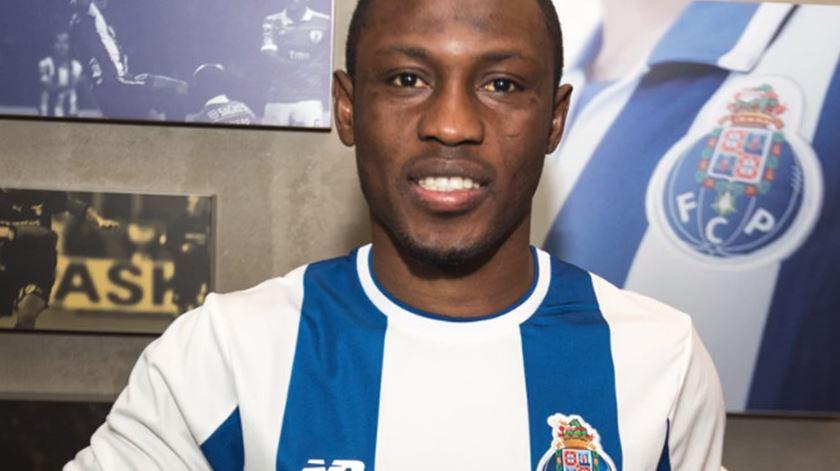 Oficial. Waris é reforço do FC Porto