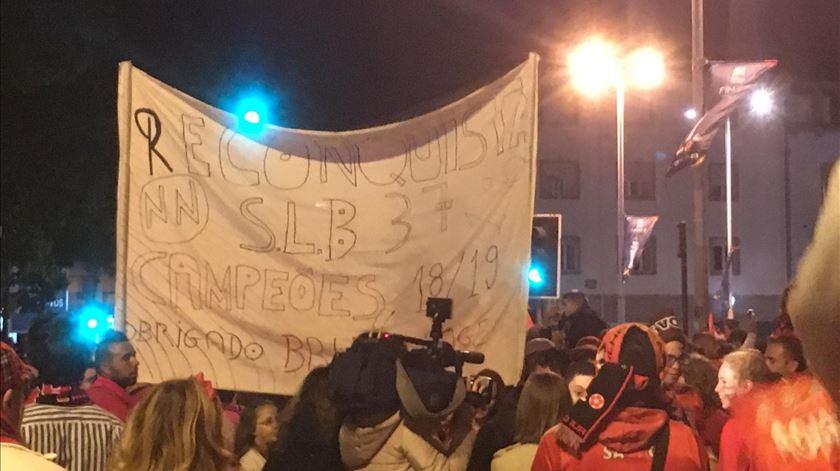 Adeptos do Benfica fazem a festa por todo o país