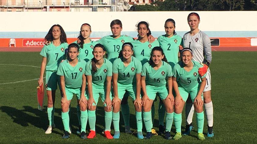 Futebol feminino. Portugal perde com Holanda