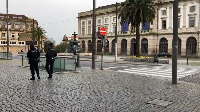 Covid-19. Os efeitos do estado de emergência. Ruas do Porto e Lisboa cada vez mais vazias