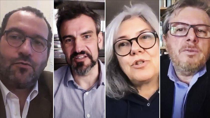 João Costa, António Moreira, Maria João Costa e Domingos Caeiro no curso de Formação para a Docência Digital em Rede