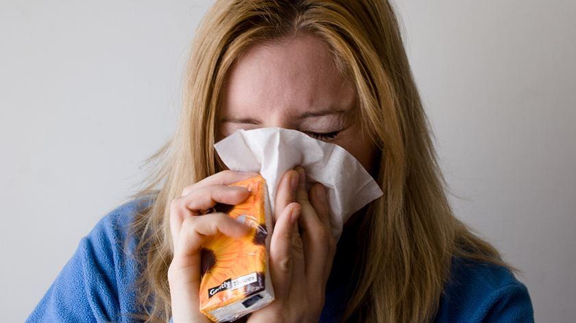 Virus como o da gripe podem propagar-se pelo ar através de poeiras e partículas