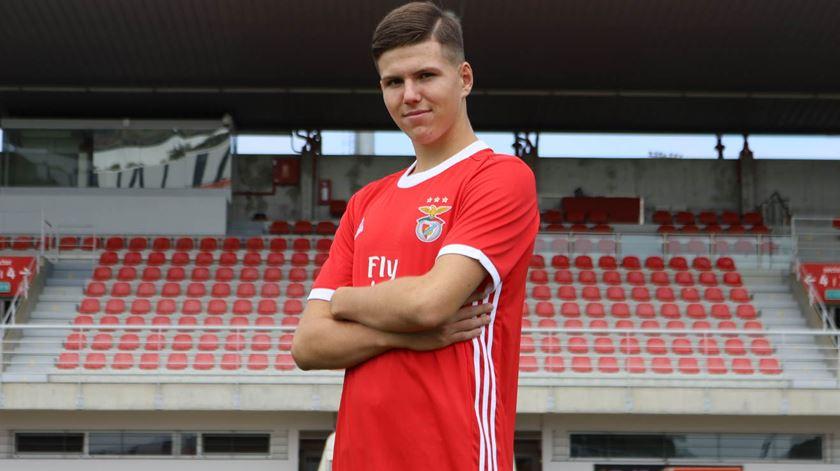 Benfica contrata esloveno de 16 anos
