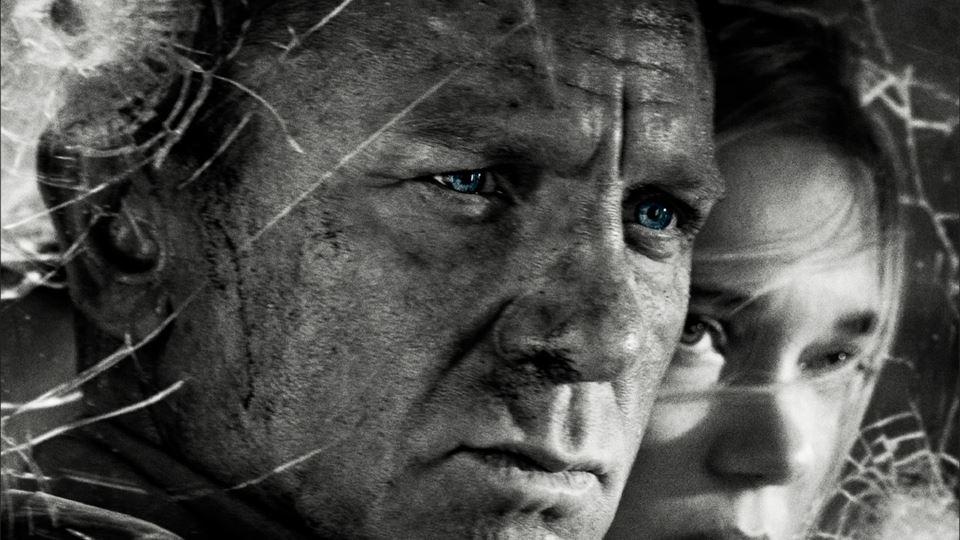 O agente 007 Daniel Craig cheg...