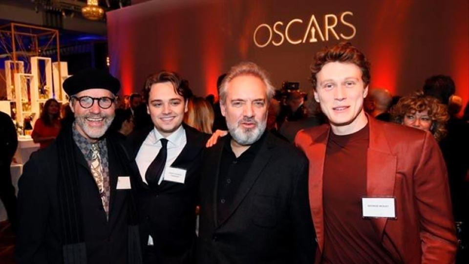 Dennis Gassner, Dean-Charles Chapman, Sam Mendes e George MacKay no almoço dos nomeados no Loews Hotel em  Los Angeles.