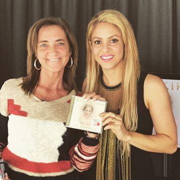 Shakira com Teresa Lage