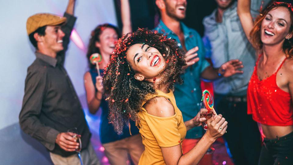 Discotecas e bares podem fecha...