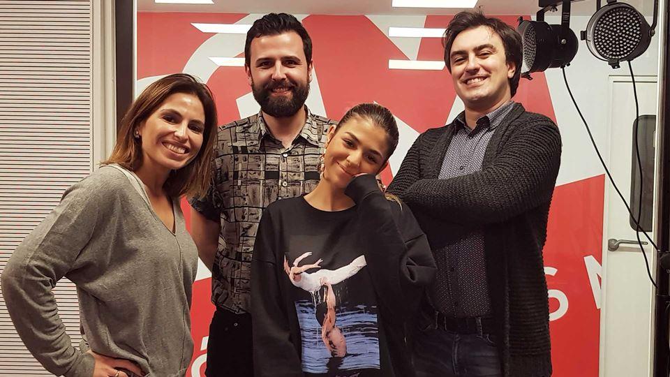 Bárbara Bandeira com a equipa do Wi-fi da RFM
