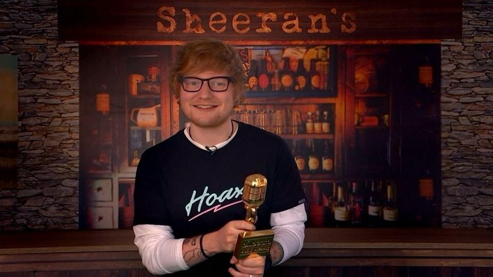 Mais 5 prémios da Billboard pa...