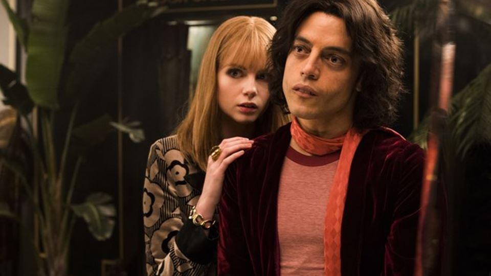 Mary e Freddie retratados no novo filme Bohemian Rapsody - por Lucy Boynton e Rami Malek