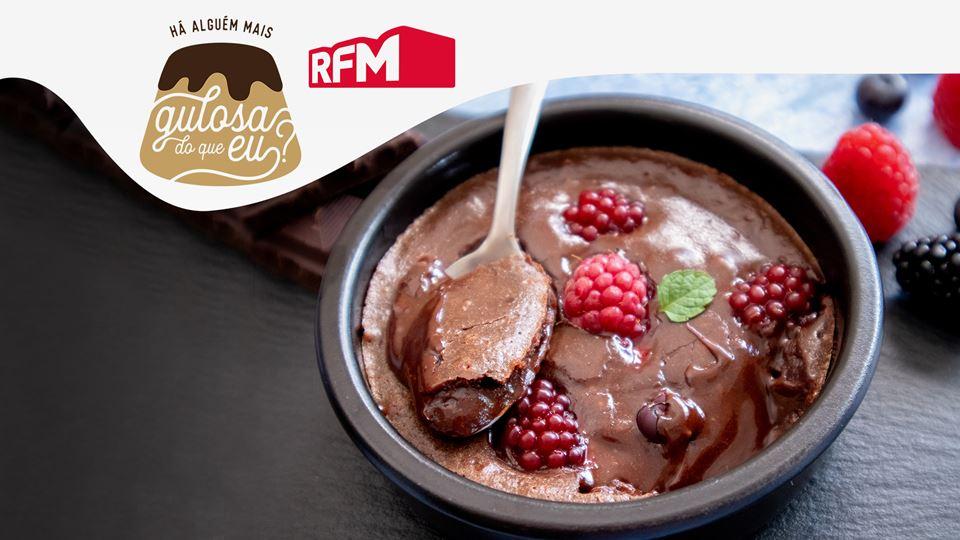 Bolos-Cremosos-Chocolate-Negro-Frutos-Vermelhos_imgCake