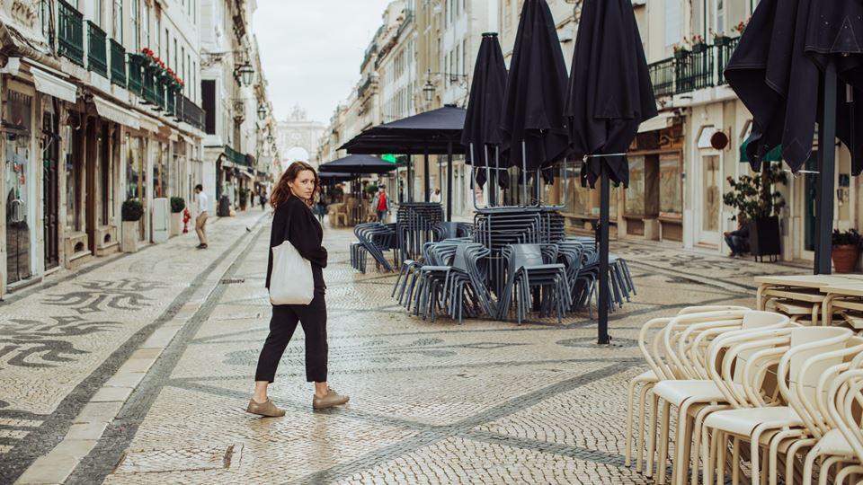 Cafés e lojas em Lisboa vão fe...