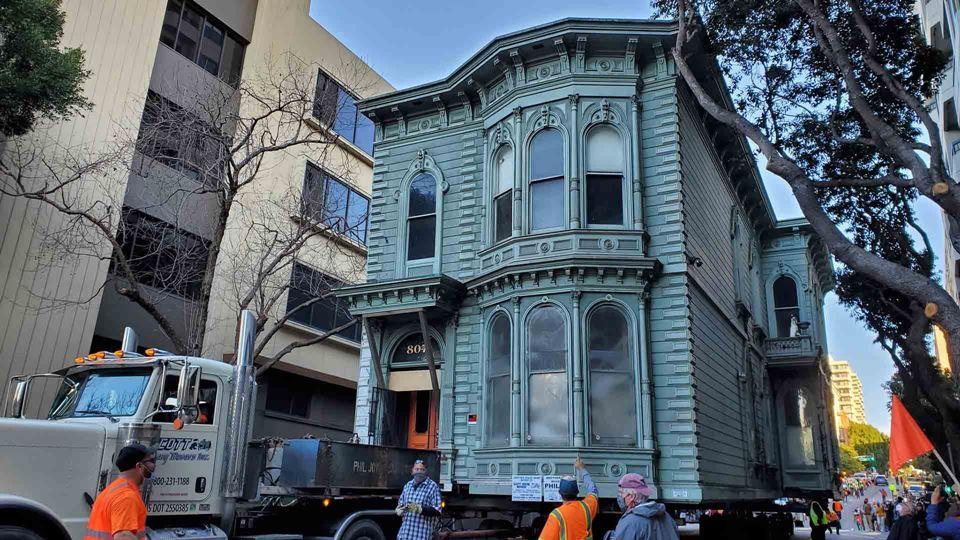 Casa com 139 anos muda literal...