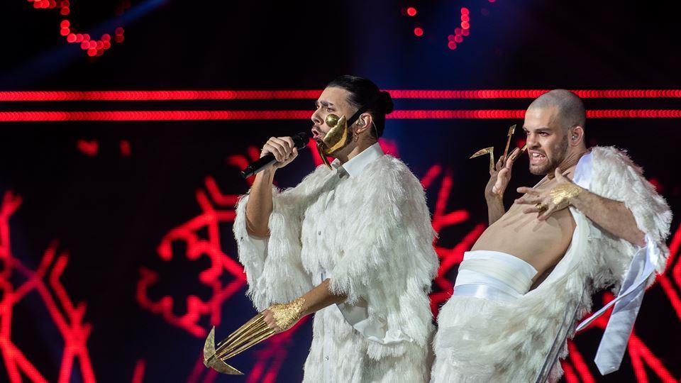 Conan Osíris canta Telemóveis, a música que venceu o festival RTP da Canção. Foto Lusa, de Pedro Pina