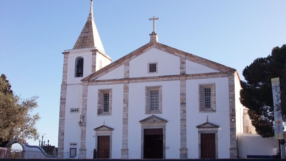 coroa igreja-em-vila-viçosa