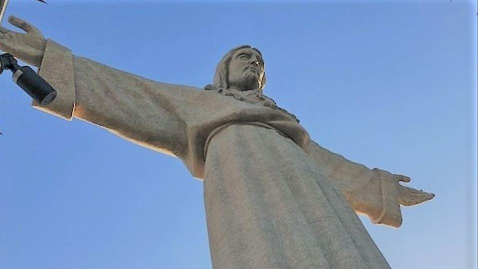 CR estátua da varanda lado