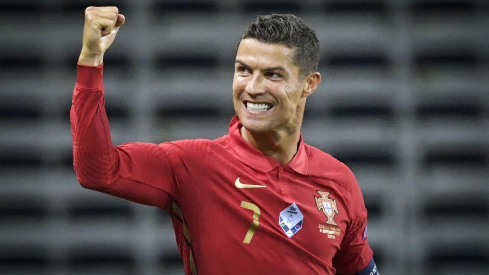 Cristiano Ronaldo é a primeira...