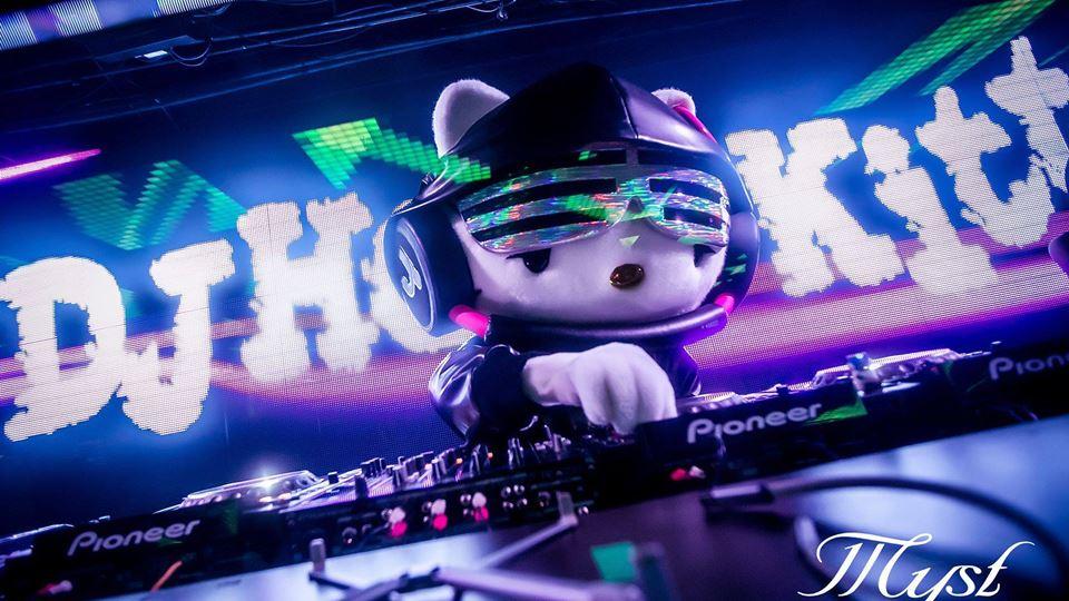 Esta não sabias: DJ Hello Kitt...