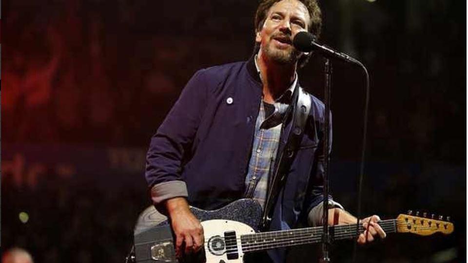 Eddie Vedder deseja as melhora...