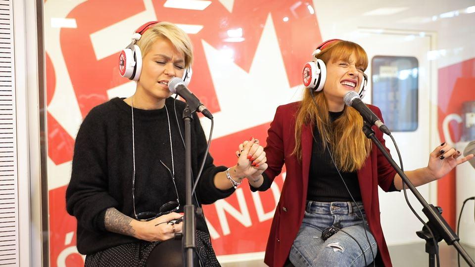 Aurea e Marisa (Elas) cantam v...