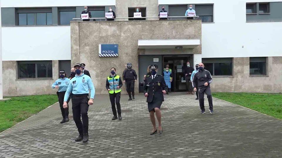 Polícias e outros profissionai...